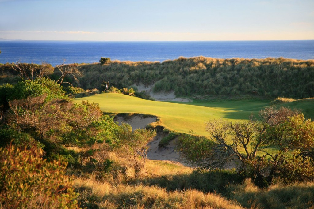 barnbougle-dunes-hero7th-tee-shot-sml